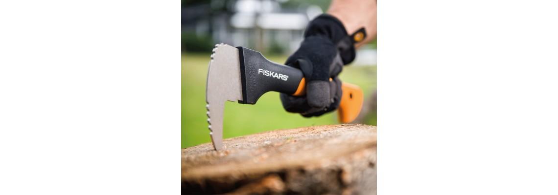 Дърводобив и дървообработванес Fiskars