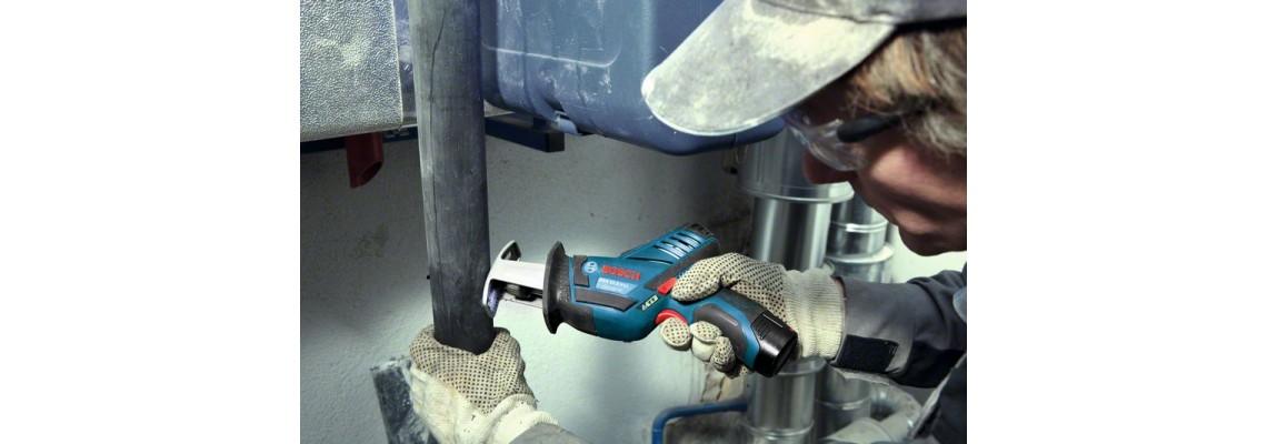 Акумулаторен саблен трион GSA 12V-14 – най-малкият професионалист
