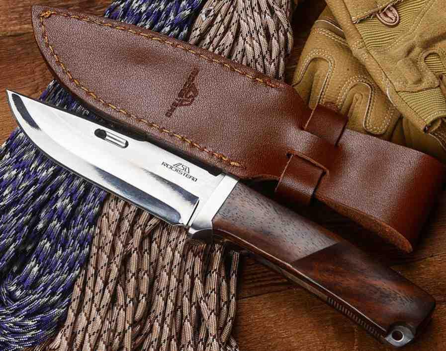 Нож туристически луксозен