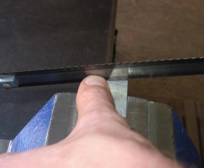 рязане с ножовка