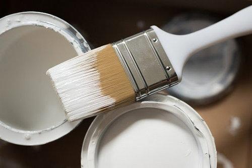 Използване на плоски бояджийски четки за боядисване