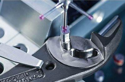 KNIPEX залага на висококачествените материали и модерните производствени технологии